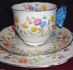 Royal Albert Un-named pattern - Reg. No. 767526 butterfly handles