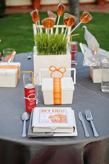 perfect dinner for the kiddos - check site to see ideas for kids table - love this!