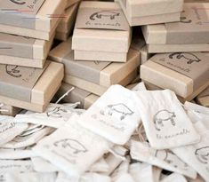 A Guide to Packaging Handmade Products : Packaging idea for makers, handmade shop owners and Etsy sellers. Craft Packaging, Jewelry Packaging, Product Packaging, Packaging Ideas, Handmade Shop, Handmade Bags, Handmade Products, Square Business Cards, Curated Gift Boxes