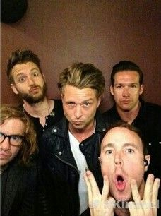 OneRepublic on Jimmy Kimmel live. Ryan's face like ugh so attractive! Pop Rock Bands, Cool Bands, Music Is Life, My Music, Ryan Tedder, Eddie Fisher, Onerepublic, Beautiful Lyrics, Music Bands