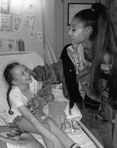 Ari visiting fans in the hospital, I stan an angel! she has a heart of gold & I love her so much, I am so proud of her!! This makes my heart melt!! What did we do to deserve you ari?! This photo shows that love always wins!! Seeing her smile again just made my day!!☁