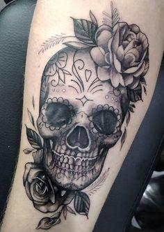 Tattoo ink skull – tattoofarbe schädel – crâne d'encre de tatouage – tatuaje tinta cráneo – tattoo ink ideas, tattoo ink colors, tat… - Lombn Sites Feminine Skull Tattoos, Skull Thigh Tattoos, Animal Skull Tattoos, Small Skull Tattoo, Skull Tattoo Flowers, Skull Rose Tattoos, Skull Tattoo Design, Tribal Tattoo Designs, Body Art Tattoos