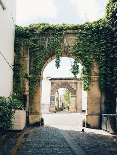 Visiting the Mews of London, England: Kynance Mews