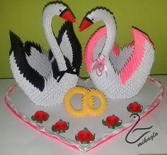 mikaglo origami 3d wedding swans Paper Oragami, 3d Paper, Paper Crafts, Diy Crafts, 3d Origami Swan, Origami Wedding, Quilling Designs, Craft Tutorials, Diy For Kids