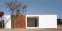 Casa Barreira Antunes_Casa elemyare sul litorale alentejano_Portogallo_2000_Manuel e Francisco Aires Mateus