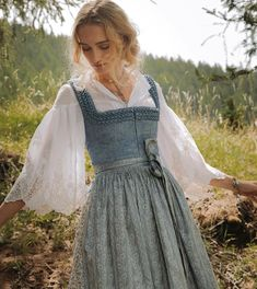 Pretty Outfits, Pretty Dresses, Beautiful Dresses, Cute Outfits, Old Fashion Dresses, Modest Fashion, Fashion Outfits, Vintage Dresses, Vintage Outfits