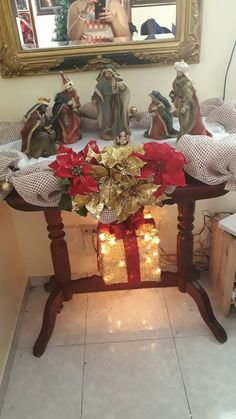1 million+ Stunning Free Images to Use Anywhere Christmas Nativity Scene, Prim Christmas, Vintage Christmas, Christmas Ornaments, Nativity Scenes, Christmas Arrangements, Christmas Table Decorations, Tea Light Snowman, Advent