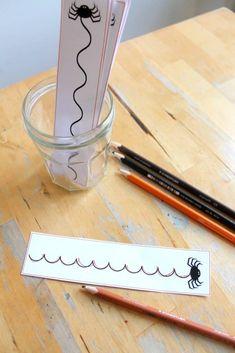 Spider writing cards printable - NurtureStore Nursery Rhymes Preschool, Nursery Rhyme Theme, Printable Cards, Printables, Tracing Shapes, Learning To Write, Halloween Themes, Fine Motor, Fall Crafts