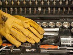Náradie pre kutilov: Ako vybrať rúčné náradie do dielne? | Štýlové Bývanie Gloves, Leather
