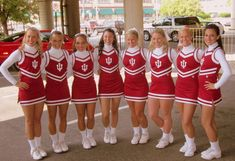Use black/white sleeves for D&D/hs? Nba Cheerleaders, Cheerleader Images, Cheerleader Costume, Cheerleading Pictures, Cheerleading Uniforms, Cheer Uniforms, High School Cheerleading, School Uniform Outfits, Cheer Poses