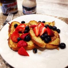 French toast and berries for brunch yummm
