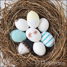Photomusen: DIY - Hæklet æg (grundopskrift) Crochet Food, Easter Crochet, Knit Crochet, Hello Spring, Happy Easter, Fiber Art, Tatting, Upcycle, Weaving