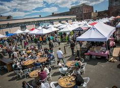 LIC Flea & Food operates outdoors rain or shine every Saturday & Sunday from 11am-6pm. Enjoy the best selection of artisans, crafters, and food vendors!