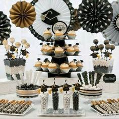 Black Gold Jewelry Classy Graduation party Treats Ideas in Black, Gold and Silver - Party City - Graduation Desserts, Graduation Party Foods, Graduation Party Planning, College Graduation Parties, Graduation Celebration, Graduation Decorations, Graduation Party Decor, Grad Parties, Graduation Table Ideas