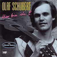 """Olafs erstes Album: Hier bin ich! Mit """"Neubaugebiet"""", """"Zeit für Rebellen"""", dem unglaublich witzigen """"Lied von der Woche"""" und dem Gedicht """"Der Reiche""""."""