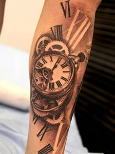 tatouage montre horloge