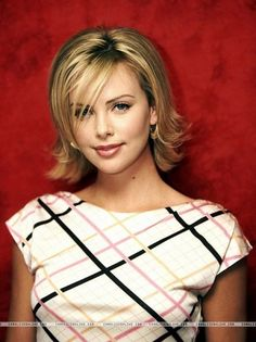 23 Short Layered Haircuts Ideas for Women | All Things ... "|236|315|?|en|2|e7bac86207bffcca35541935d97825e3|False|NSFW|0.3056660294532776