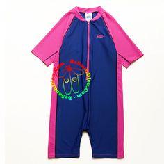 Đồ bơi chống nắng cho bé hiệu Zoggs hàng xuất xịn từ 33kg đến 43kg thích hơp cho cả bé trai và bé gái Đồ bơi cho bé Đồ bơi Zoggs - nhãn hàng chuyên về quần áo, dụng cụ và phụ…