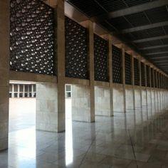 Masjid Istiqlal (Jakarta, Indonesia) Mosque, Jakarta, Islamic, Scenery, Concept, Mood, Sayings, Building, Furniture