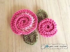 Swirly Rose - FREE crochet Pattern- great gift idea to put on a bag, present, hair clip or headband, etc.