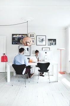 Lejligheden med farver og fotokunst - Bolig Magasinet