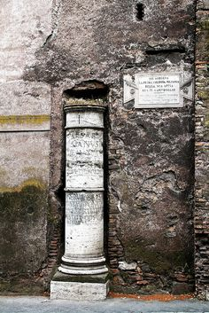This column marks the first mile on the via Appia from the center of Rome - The original column is now in Campidoglio Ancient Rome, Ancient Art, Ancient History, Ancient Greece, Appian Way, Roman Roads, Pompeii And Herculaneum, Stone Columns, Roman Architecture