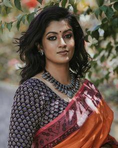 Indian Actress Photos, Indian Actresses, Beautiful Saree, Beautiful Roses, Dusky Skin, Beautiful Housewife, Indian Eyes, Stylish Girl Images, Most Beautiful Indian Actress