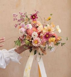 Shade Garden Flowers And Decor Ideas Happy Friday Ameliasoegijonophoto Bridal Flowers, Flower Bouquet Wedding, Floral Wedding, Dahlia Bouquet, Boquet, Flower Bouquets, Beautiful Bouquet Of Flowers, Beautiful Flowers, Autumn Flowers