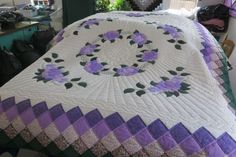 amish quilt design images | amish-quilt-floral