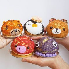 Dying for some of these adorable choux pastries from @douxamourpatisserie 😍😍😍😍 🎉 #foodporn #foodshare #cutefood