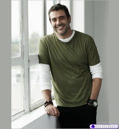 I'll take a large order of some Jeffery Dean Morgan, please....