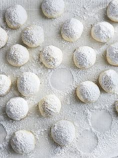 These melt-in-your-mouth shortbread cookies are perfect for spring parties and can be made up to three days in advance. Just store them in an airtight container at room temperature.