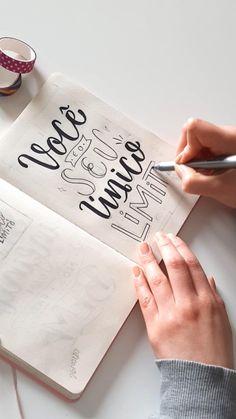 Bullet Journal Aesthetic, Bullet Journal Themes, Bullet Journal Inspiration, Lettering Tutorial, Bullet Journal School, Cute Notes, Diy Letters, Brush Lettering, Creative Art