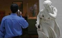 Hilarious Pictures of People Posing With Statues Pics) Rare Pictures, Pictures Of People, Funny Photos, Hilarious Pictures, Crazy Photos, Amazing Photos, Funny Photography, Creative Photography, Stunning Photography
