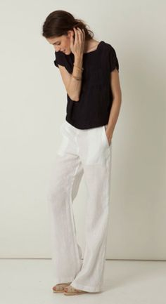 28 Summer White Linen Pants Outfit for Women - Bellestilo Looks Style, Style Me, Trendy Style, Curvy Style, White Linen Trousers, Linen Pants Women, Linen Pants Outfit, Mode Ab 50, Vetements Clothing