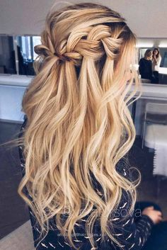 Superb Incredibly Gorgeous Prom Hair Styles That Will Steal the Show This Year ★ See more: lovehairstyles.co… The post Incredibly Gorgeous Prom Hair Styles That Will Steal the Show This Ye ..