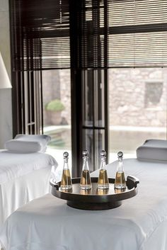 Spa treatment at Amanruya, Bodrum Turkey. Spa Design, Salon Design, Spa Treatment Room, Luxury Spa, Luxury Hotels, Spa Rooms, Wellness Spa, Wellness Center, Rest And Relaxation