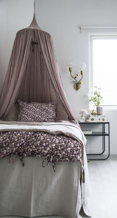 Bedroom vintage floral 41 ideas for 2019 Bedroom Green, Dream Bedroom, Baby Bedroom, Girls Bedroom, Floral Bedroom, Teen Room Decor, Bedroom Vintage, Little Girl Rooms, Trendy Bedroom