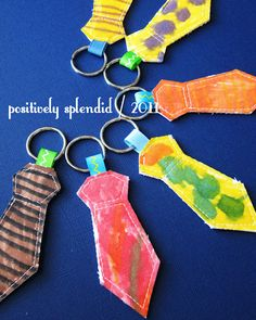 Father's Day craft for children: Necktie Key Ring Tutorial Handmade Gifts For Men, Diy Gifts, Great Father's Day Gifts, Gifts For Dad, Cadeau Parents, Daddy Day, Ring Tutorial, Fathers Day Crafts, Fathers Gifts