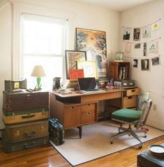 Home office design ideas 10 ~ Popular Living Room Design – Chic Home Office Design Table Vintage, Vintage Home Decor, Vintage Office, Retro Office, Home Office Design, Home Office Decor, Office Designs, Office Makeover, Home Office Furniture