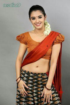Indian Navel, Half Saree Designs, Actress Navel, Indian Girls Images, Saree Navel, Attractive Girls, Cute Beauty, Indian Models, Saree Styles