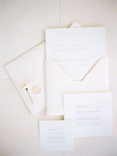 invitación sobre claro lacre sello hueco grabado