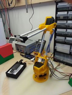 Robot Arm by feststoff. Maybe something for Printer Chat? 3d Printing Business, 3d Printing Diy, 3d Printing Service, 3d Printer Designs, 3d Printer Projects, Arduino Projects, 3d Projects, Computer Robot, Industrial 3d Printer