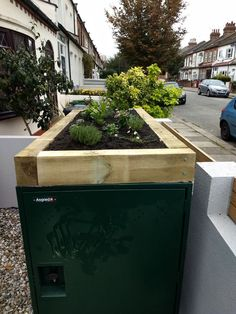 Planter on top of the bike storage x 2 metal bike store!   #planter #shed #metalshed #garden #gardener