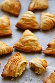 Goal - Italian Pastries Pastas and Cheeses Finger Food Appetizers, Appetizer Recipes, Antipasto, Strudel, Recipe For Sesame Cookies, Tapas, My Favorite Food, Favorite Recipes, Italian Pastries
