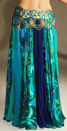 peacock colors belly dance skirt with beaded belt Bohemian Mode, Bohemian Style, Bohemian Skirt, Gypsy Style, Boho Gypsy, Hippie Style, Dance Outfits, Cute Outfits, Dancing Outfit
