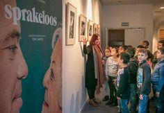 De succesroman 'Sprakeloos' van Tom Lanoye, werd verfilmd door Hilde Van Mieghem. De film is in première gegaan in Sint-Niklaas en er is ook een expo geopend.  Het is een verhaal over de moeder van Tom Lanoye die door afasie haar taal verloor.