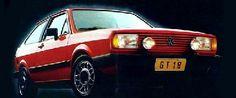 Aí, em 1984, a VW lançou o Gol GT. Fiquei doido por ele, mas com raiva, também, porque nunca teria grana para ter um. Vermelho, preto ou chumbo, bancos Recaro, painel com letras e números em vermelho, faróis de milha redondos, um negócio de louco. Motor 1.8 AP, um foguete. E aquelas rodas…