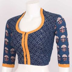 20 Best Cotton Saree Blouse Designs for a Stylish Look – Smart Easy Ideas Kalamkari Blouse Designs, Cotton Saree Blouse Designs, Fancy Blouse Designs, Blouse Neck Designs, Kurta Designs, Blouse Patterns, Stylish Blouse Design, Beautiful, Sarees