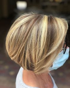 Bobs are super trendy right now and look stunning on anyone. Bobs are great because they can be in a range of colors and lengths, catering to anyone's... Chunky Highlights, Bob Cuts, Bob Haircuts, Looking Stunning, Cartoon Art, Bobs, Fashion Forward, Catering, Short Hair Styles